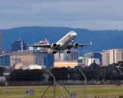 How to chech flight status online