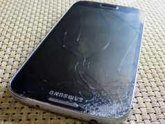 Replace broken Smartphone LCD