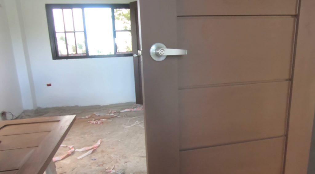 Dreamhouse door paint1